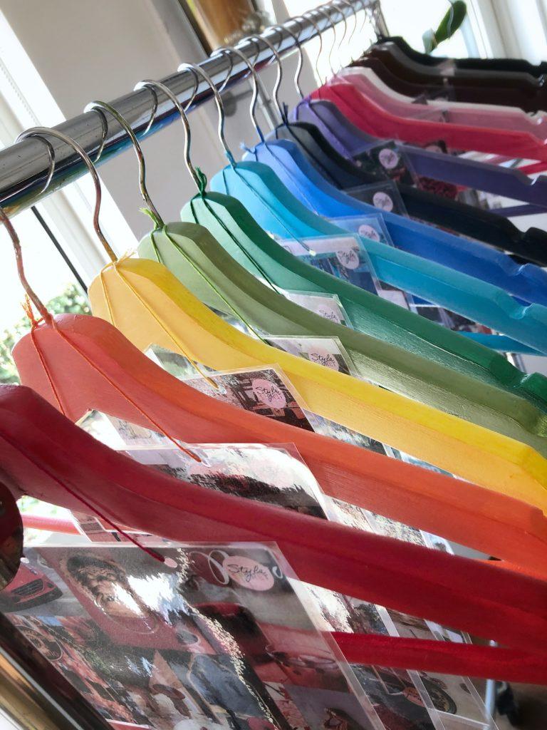 kledinghangers gekleurd - stylesecret